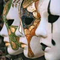 Венецианские карнавальные маски.