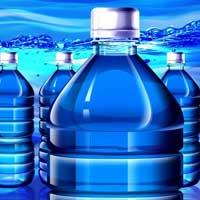 Вода из пластиковых бутылок.